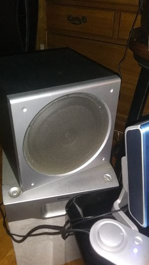 2 Radio Speaker Surround Sound System for Sale in Brooklyn, NY