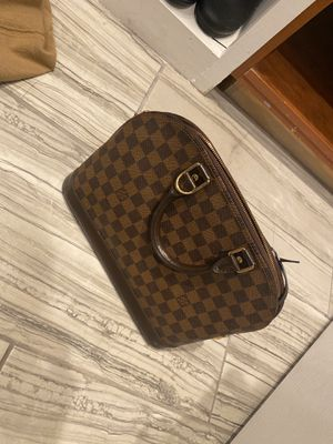 Louis Vuitton for Sale in North Providence, RI