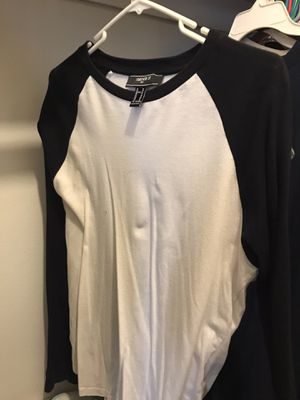 Forever 21 Baseball Tee Size Medium for Sale in Los Angeles, CA
