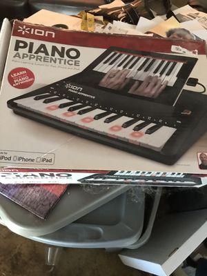 Piano Apprentice-learn to play piano! for Sale in Bloomington, IL