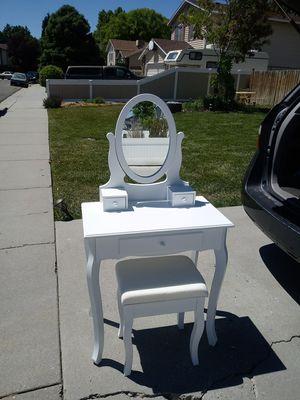 White vanity table jewelry makeup desk for Sale in Salt Lake City, UT