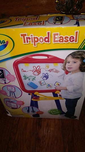 crayola tripod easel for Sale in Grand Rapids, MI