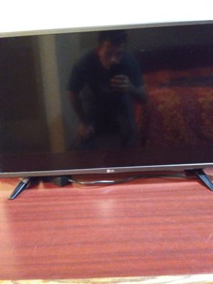 Lg. 32 flat screen for Sale in Burleson, TX