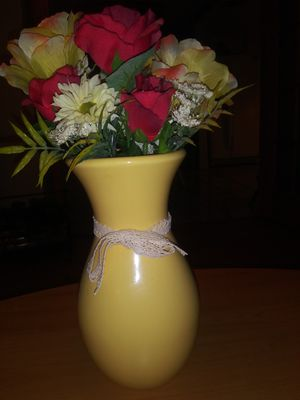 Flowers with yellow vase for Sale in NEW PRT RCHY, FL