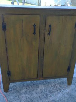 Rustic Wood Cabinet I Made Tried To Make Look Old Pick Up South Side Lakeland 33813 for Sale in Lakeland,  FL