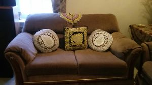 Love seat for Sale in Clifton, VA