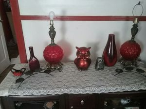 5 pc set with 2 hurricane lamps for Sale in Evansville, IN