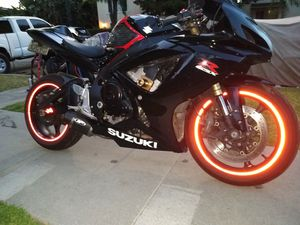 2006 Suzuki GSXR 600 clean title in hand tags 2021 for Sale in Garden Grove, CA