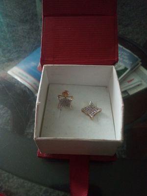 10k daimond earring's screw on back best offer for Sale in Selma, AL