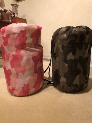2 camo sleeping bags for Sale in Darien, IL