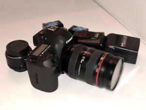 Canon EOS 5D Mark III SLR Camera Kit w/ lens for Sale in Fayetteville, GA
