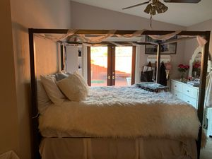 Canopy bed Frame for Sale in Pittsburg, CA