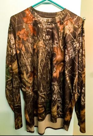 Camo long sleeve XL performance shirt for Sale in Mount Prospect, IL