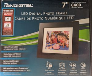 "Pandigital 7"" Led Photo Frame w/Remote Control for Sale in Hemet, CA"