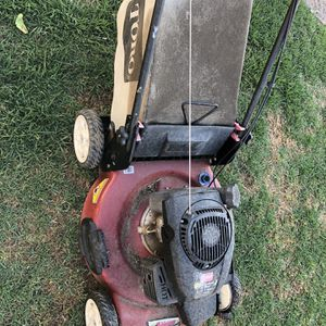 Lawn Mower 6.5 HP for Sale in Los Angeles, CA