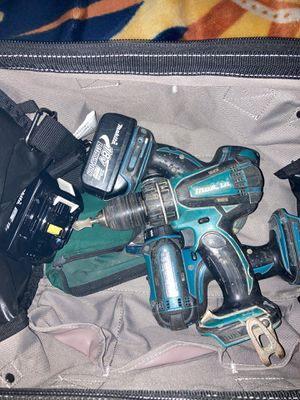 Makita drills with two 18v batteries for Sale in El Cajon, CA