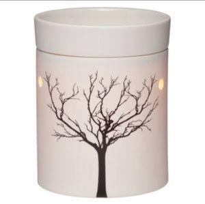 NEW IN BOX—>Scentsy TILIA WARMER for Sale in Denver, CO