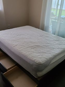 Full Size Bed With Mattress And Storage Draws for Sale in Tampa,  FL
