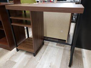 NEW Metal & Wood Simple Conputer Desk for Sale in Burlington, NJ