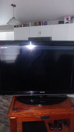 40in. Toshiba 120v 60mhz 1.7 amps flatscreen tv for Sale in Golden, CO