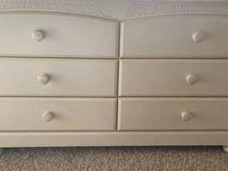 Ashley Furniture Wood Dresser for Sale in Puyallup,  WA