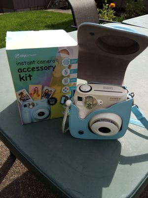 Poloroid camera for Sale in Milwaukie, OR