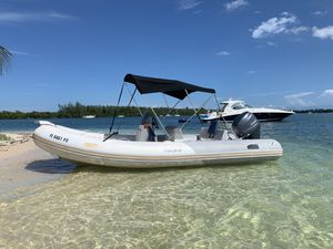 Zodiak medline year 2014 19 ft inflatable tender boat for sale with a Yamaha 115 hp 2014 for Sale in Miami, FL