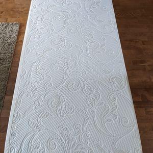 Tempur- Pedic mattress for Sale in Des Plaines, IL