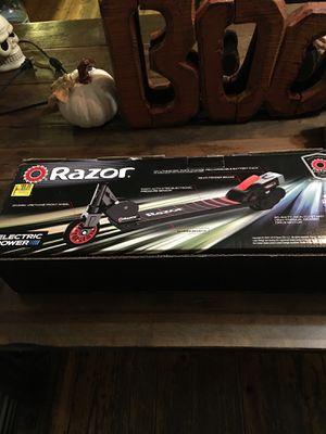 Electric Razor for Sale in Bloomington, IL