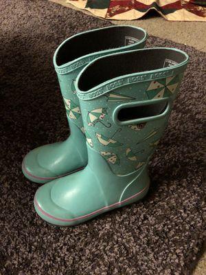 Size 1 girl BOGS rain boots for Sale in Surprise, AZ