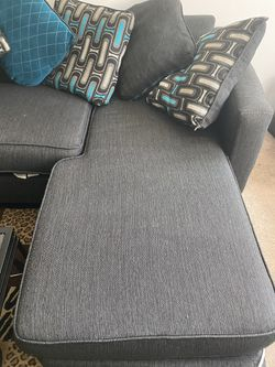 Couch sectional 2 pieces for Sale in Cleveland,  OH