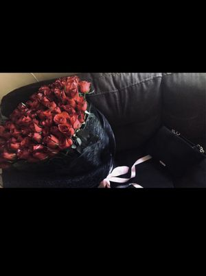 LUXE ROSES for Sale in Bell Gardens, CA