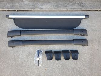 Subaru Crosstrek or Impreza Crossbars & Cargo Cover for Sale in Denver,  CO