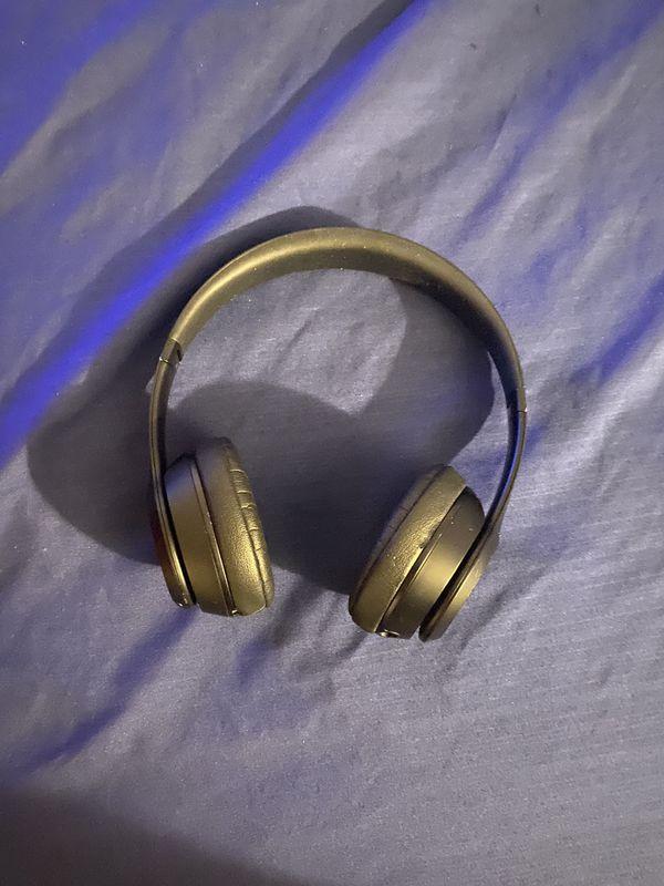 Beats solo 3 headphones