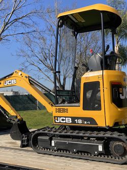 Mini Excavator for Sale in Bakersfield,  CA