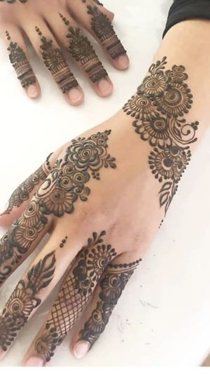 Henna details and kathab for Sale in Dearborn, MI