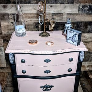Beautiful End table Or Nightstand for Sale in Beaverton, OR