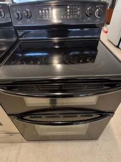 Kenmore Double Oven Electric Range Used In Good Condition With 90day's Warranty for Sale in Mount Rainier,  MD