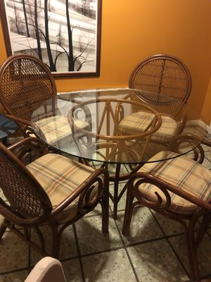 Dining room table and chairs for Sale in Sandy Springs, GA