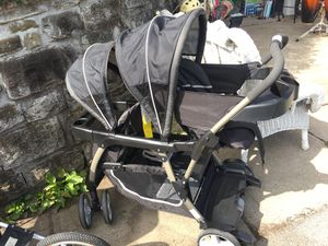 Graco Double Stroller for Sale in Carnegie, PA