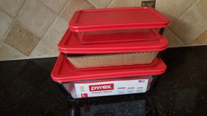 Pyrex dishes food containers with lids set 3 for Sale in Manassas, VA