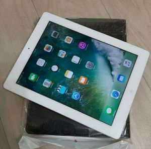 Apple iPad 3 with(64GB) and phone ability. Perfect condition.... for Sale in Springfield, VA