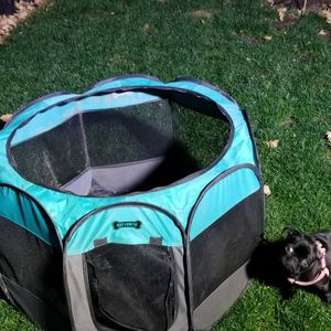 Pet Play Pen 35 In. Octagon -Like New for Sale in La Verne, CA