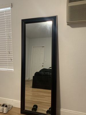 BLACK BEDROOM SET (almost new 6 month use) for Sale in Miami Beach, FL