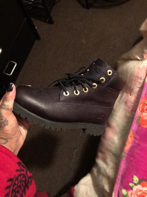 Leather black timberland great condition size 5.5 for Sale in Philadelphia, PA