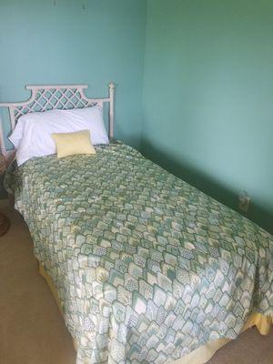 Vintage Ficks Reed bedroom set for Sale in Cedar Springs, MI