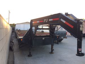 Trailer gusseneck 2003 for Sale in Anaheim, CA