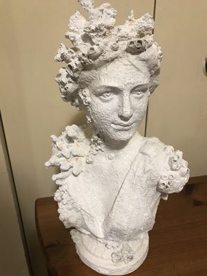 """Still available 16"""" unique resin coral goddess bust sculpture pick up in Gaithersburg md20877 for Sale in Gaithersburg, MD"""
