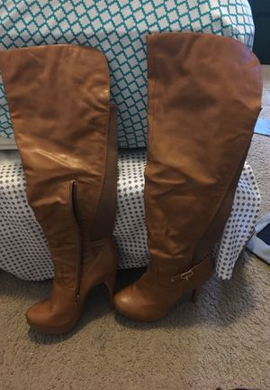 Size 9 boots for Sale in Columbus, OH