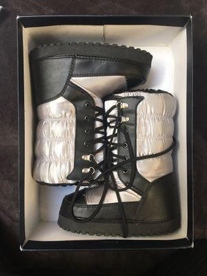 Ralph Lauren Kid's Snow Proprietor Boots Winter Unisex Silver Black Size 13 for Sale in Princeton, NJ